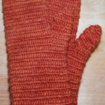 I hand dyed with madder the Lopi 100% wool yarn for this pair of mittens.